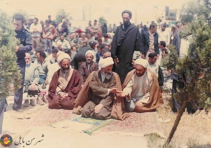 اقامه اولین نماز جمعه بابل به امامت آیت الله روحانی در سال ۵۸