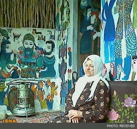 مکرمه قنبری (شناخته شده به نام ننه مکرمه)، متولد: ۱۳۰۷ (۱۹۲۸) در دریکنده بابل، ایران - درگذشت: ۲ آبان ۱۳۸۴ (اکتبر ۲۰۰۵) نقاش سبک پست مدرنیسم در مازندران.